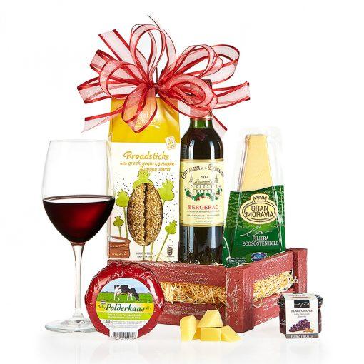 Dárkový koš Sýrová bedýnka s červeným vínem